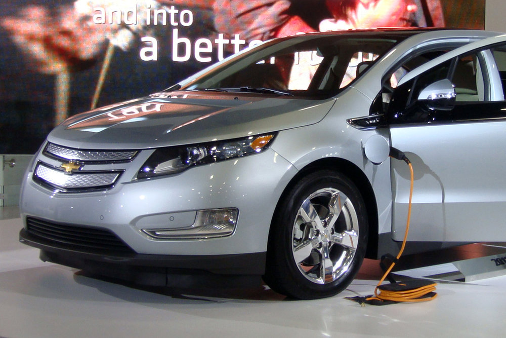 A Chevrolet Volt currently has a range of about 53 miles in pure electric drive. Better battery technologies would help electric vehicles increase their market penetration. - Image Credit:  By Mariordo Mario Roberto Duran Ortiz/Wikimedia Commons ,  CC BY-SA