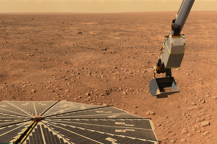 NASA's Phoenix Mars Lander didn't see snow on the ground. - Image Credit: NASA/JPL-Caltech/University of Arizona/Texas A&M University
