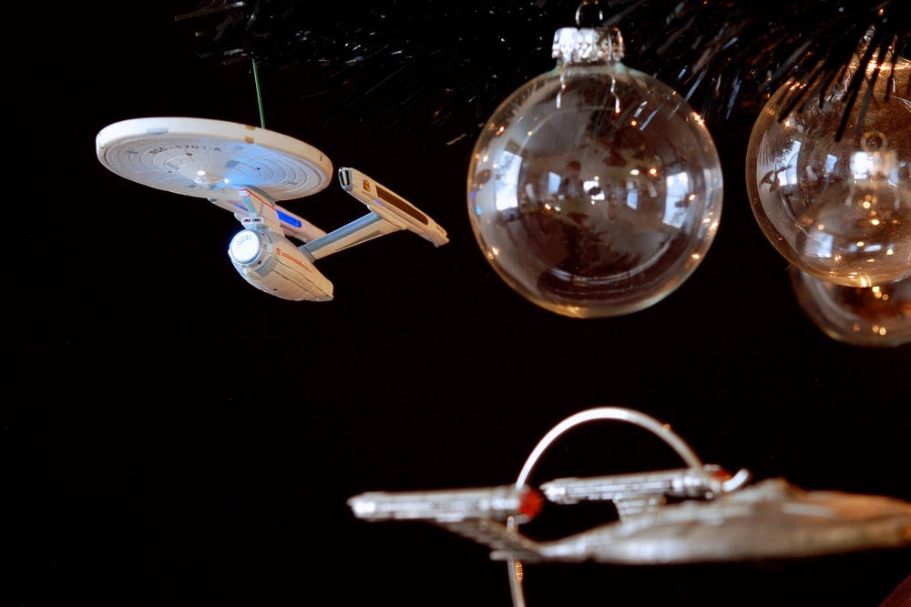 The USS Enterprise is a great shape for a Christmas tree decoration, not so great shape for a real spacecraft. - Image Credit:  Flickr/JD Hancock ,  CC BY