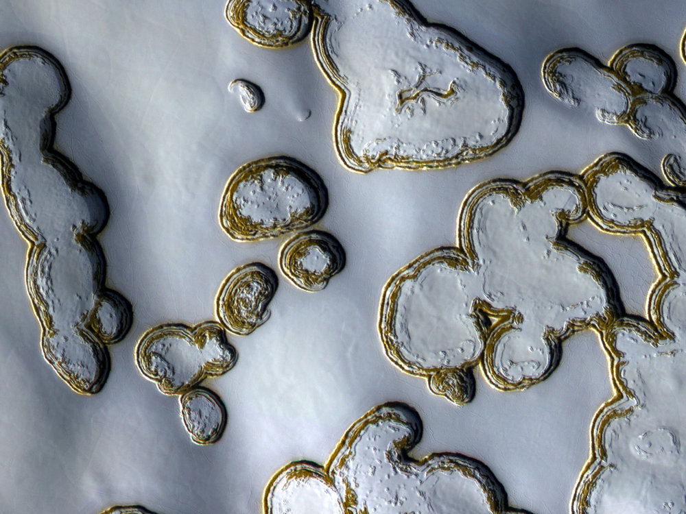 Close-up of Mars's South Pole - Image Credit:  NASA/JPL/University of Arizona via Wikimedia Commons
