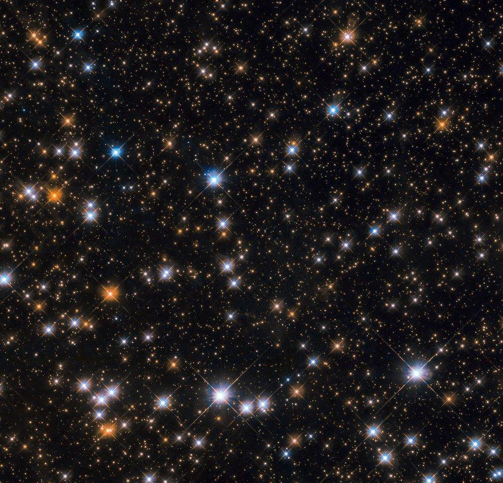 Image credit: ESA/Hubble & NASA, P. Dobbie et al.
