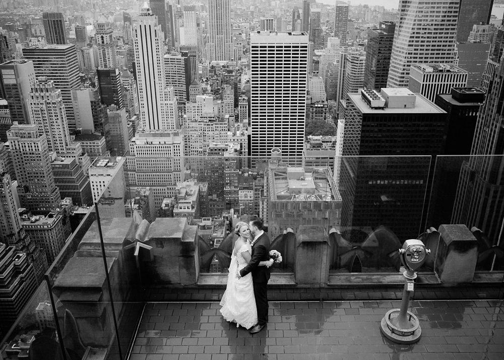 A&J_nyc_topoftherock_elopement-30.jpg