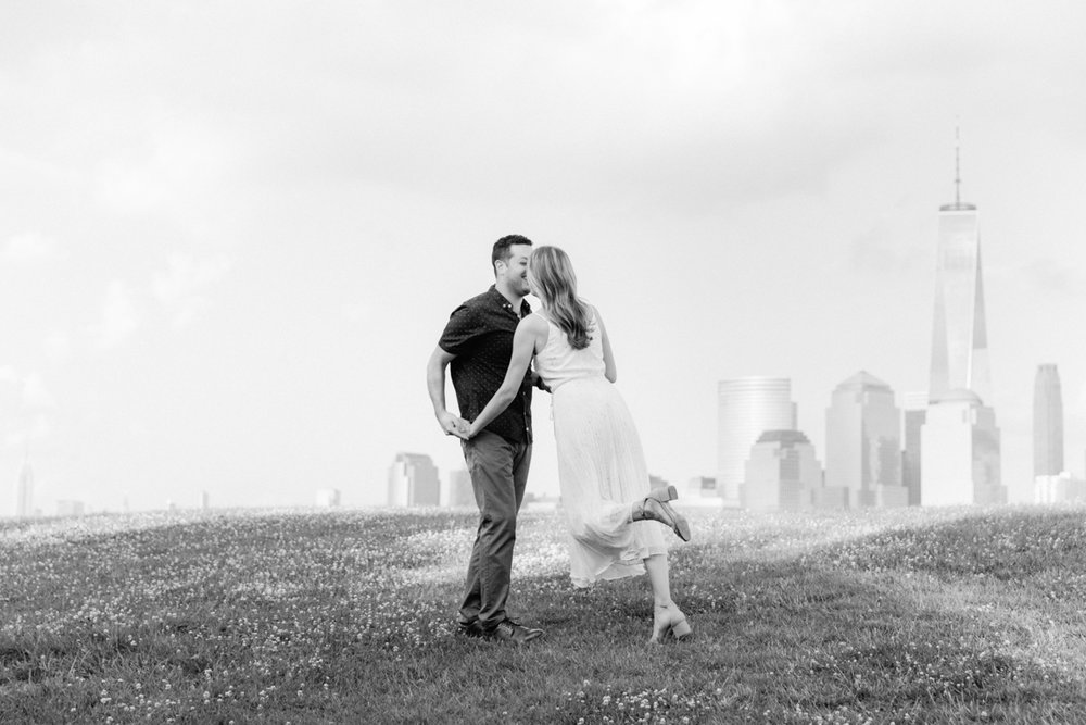 NYC-skyline-engagement-session-by-Tanya Isaeva-24.jpg