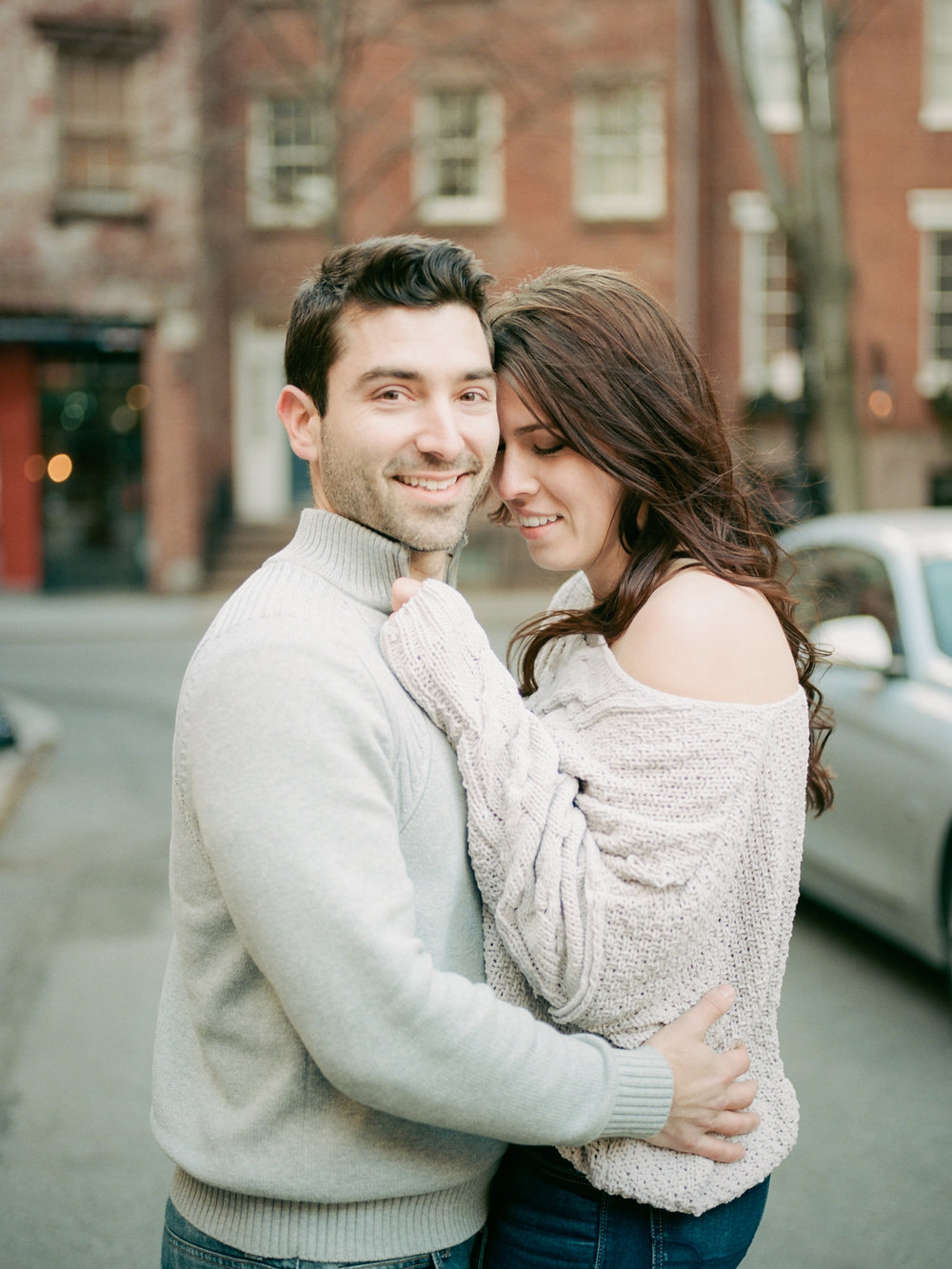 Washington -square-park -NYC-Engagement-Session-film-photography-10.jpg