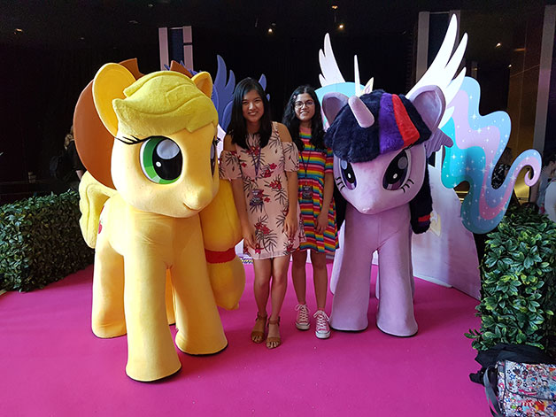 my-little-pony-premiere-web.jpg