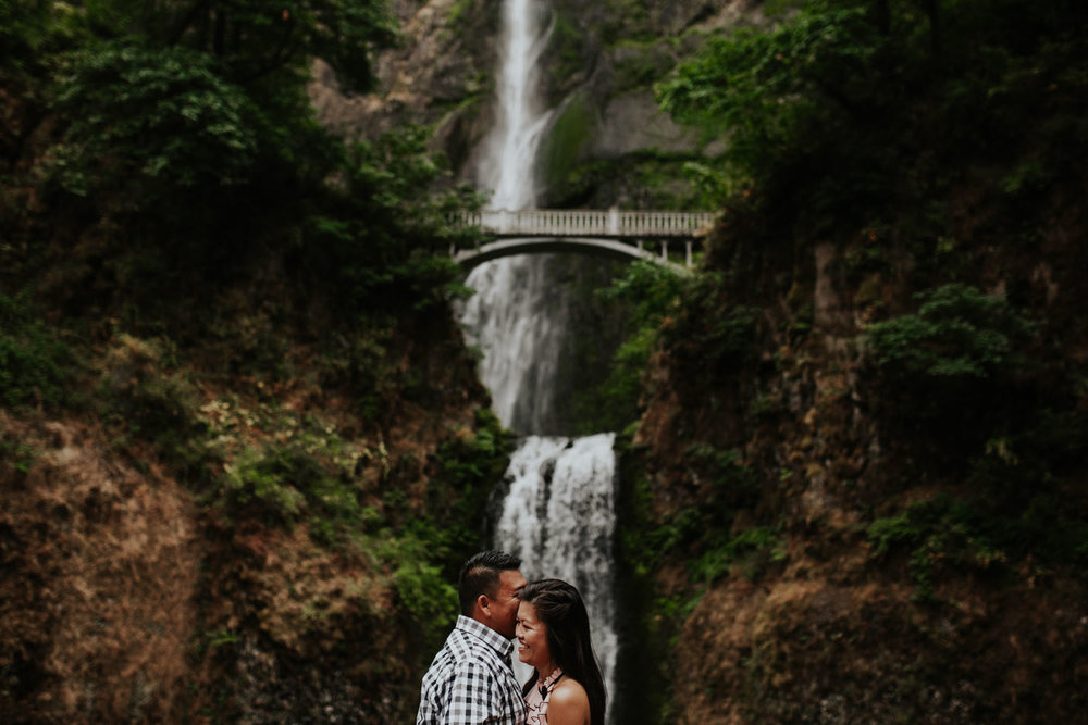 destination wedding photographers atlanta engagment photographer elopement photography oregon Latourell Bridal Veil Multnomah falls 0004.jpg