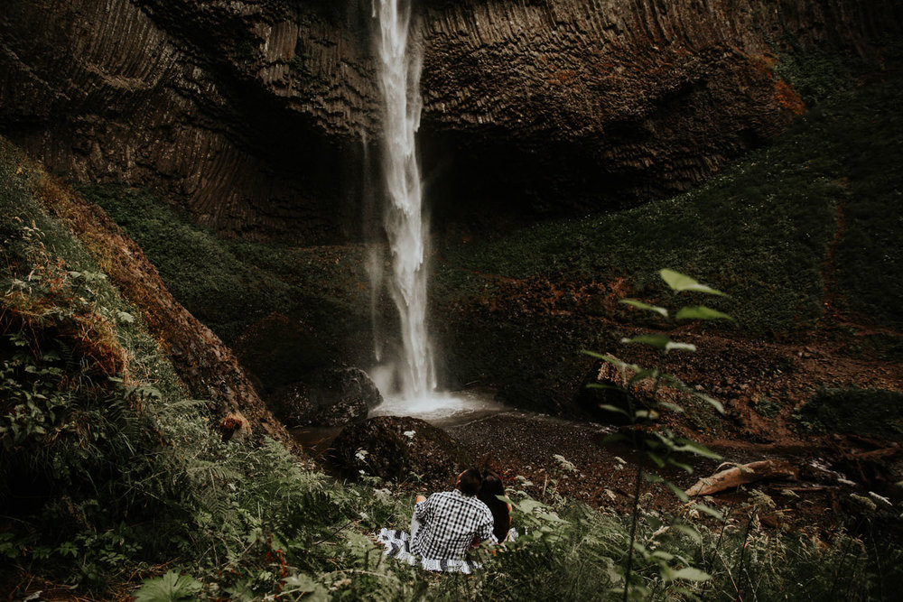 destination wedding photographers atlanta engagment photographer elopement photography oregon Latourell Bridal Veil Multnomah falls 0034.jpg