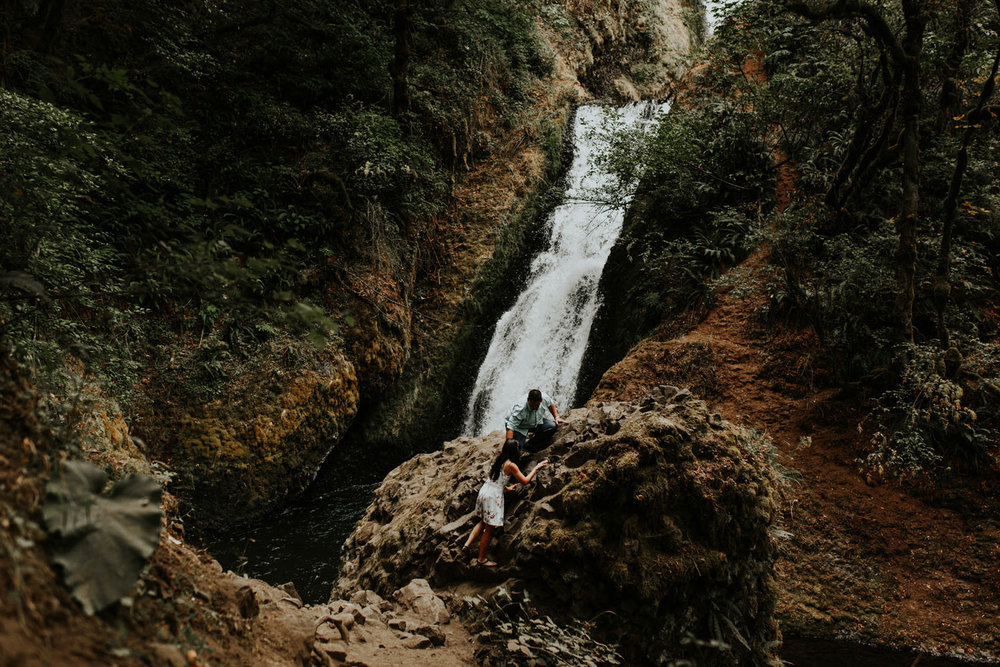 destination wedding photographers atlanta engagment photographer elopement photography oregon Latourell Bridal Veil Multnomah falls 0060.jpg