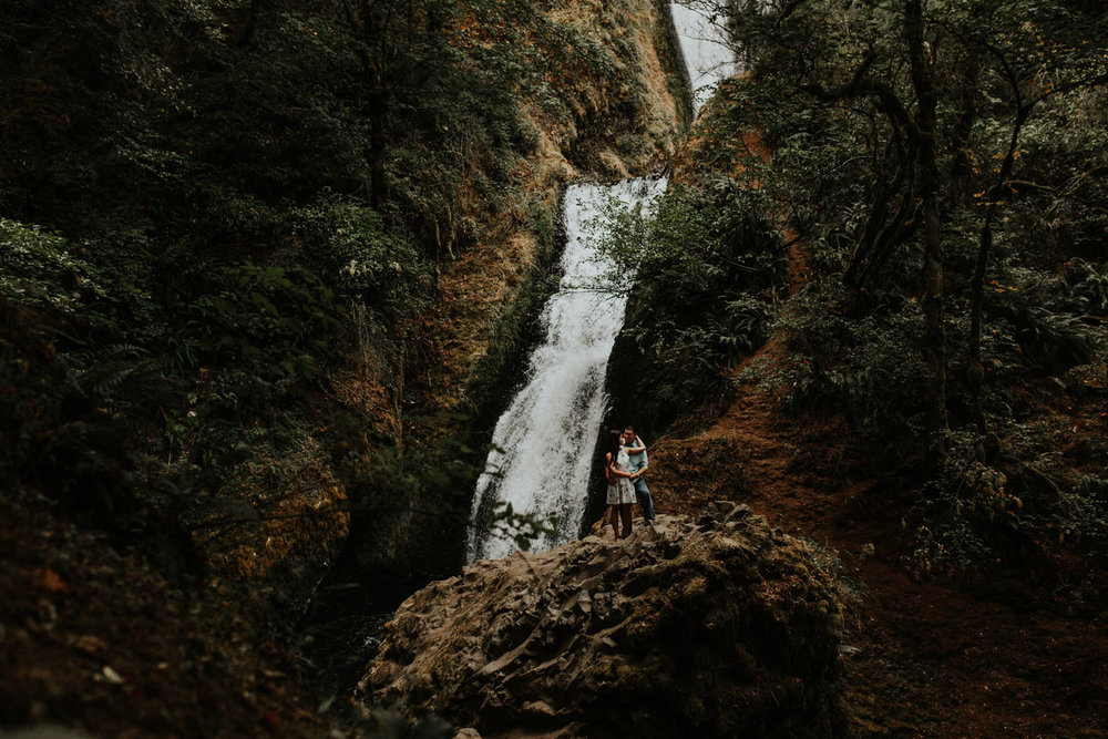 destination wedding photographers atlanta engagment photographer elopement photography oregon Latourell Bridal Veil Multnomah falls 0061.jpg