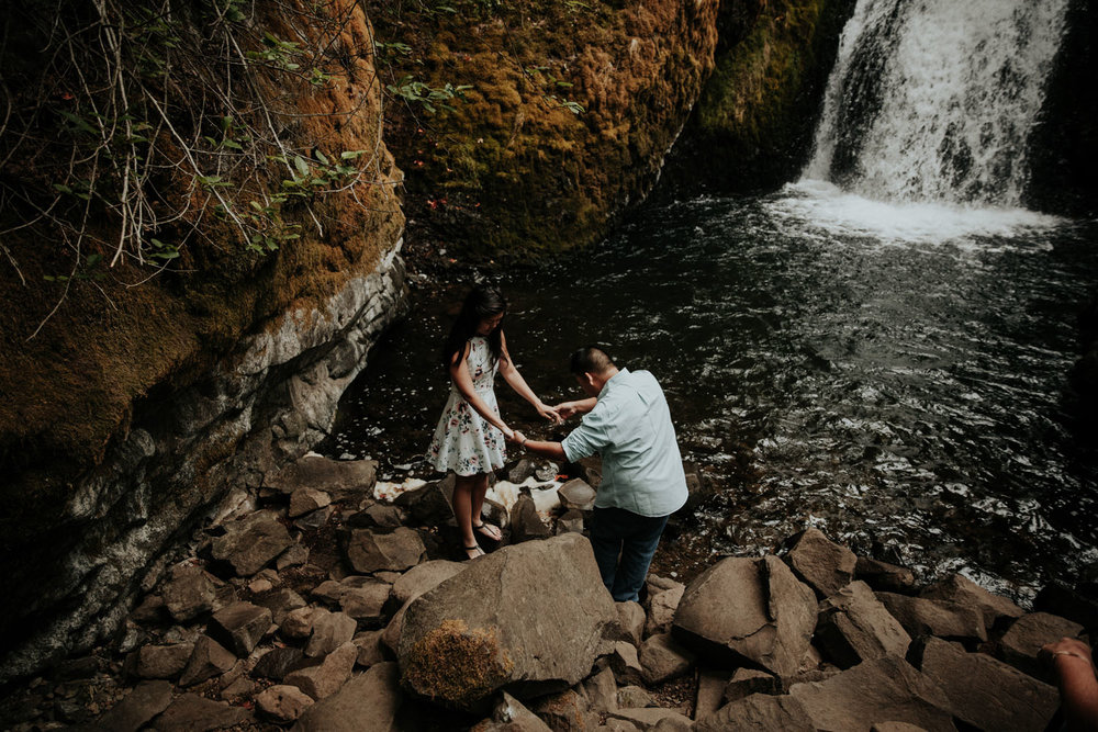 destination wedding photographers atlanta engagment photographer elopement photography oregon Latourell Bridal Veil Multnomah falls 0076.jpg