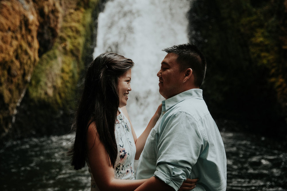 destination wedding photographers atlanta engagment photographer elopement photography oregon Latourell Bridal Veil Multnomah falls 0082.jpg