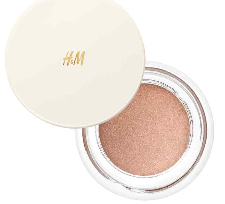 Cream Shadow - Perfect for a quick eye look. I travel with at least one cream shadow in my makeup bag.H&M ($7.99 CAN)