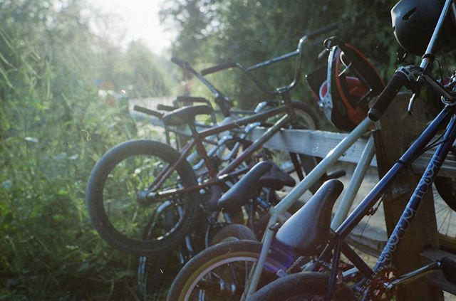 ✨ an endless summer, bike life is the best life.. 🐌 #film #35mm #bmx #atx #delicgatedotcom