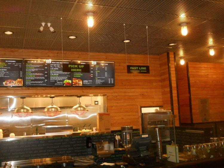 Parkerpropertygroupreview+on+Burgerfi+in+Anchorage+Ak.jpg