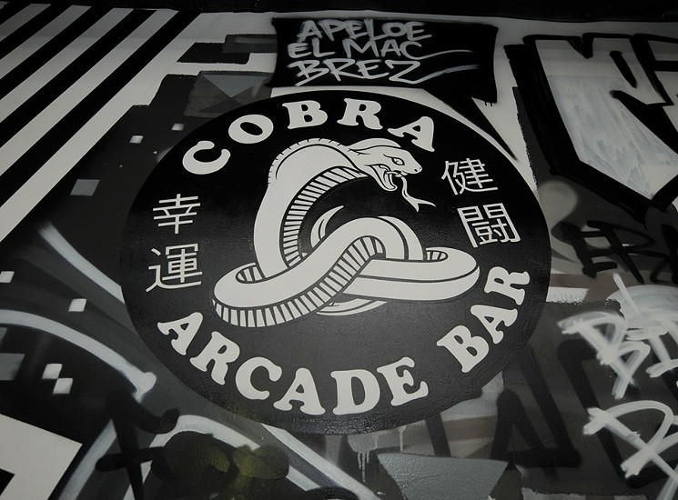 cobra_arcade_bar_downtown_phoenix_grand_opening.jpg