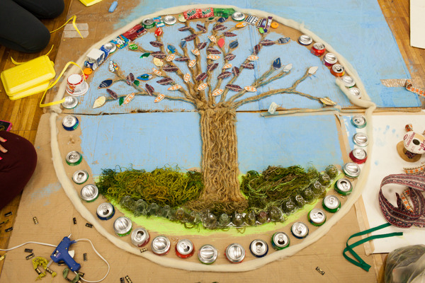 do_good_students_create_art_from_recycled_goods_photo_by_dustin_chambers_0055.jpg