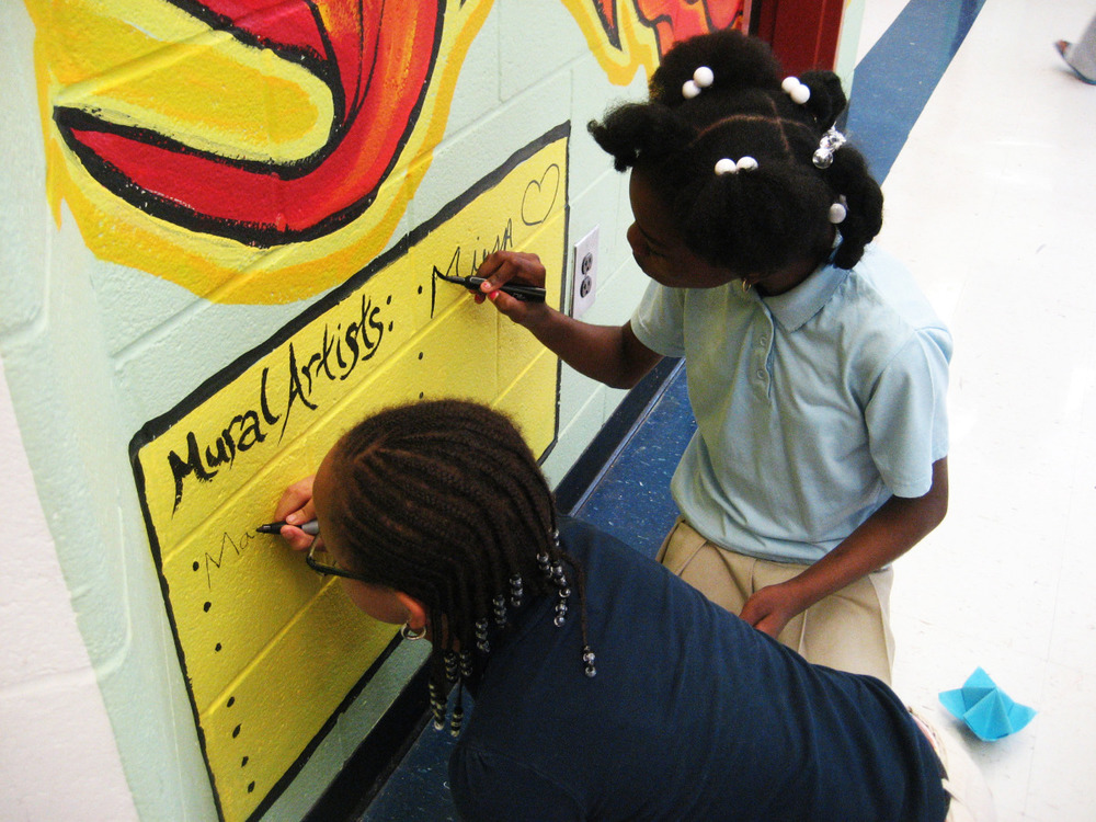 perkerson_elementary_students_work_with_tcp_resident_0403.jpg