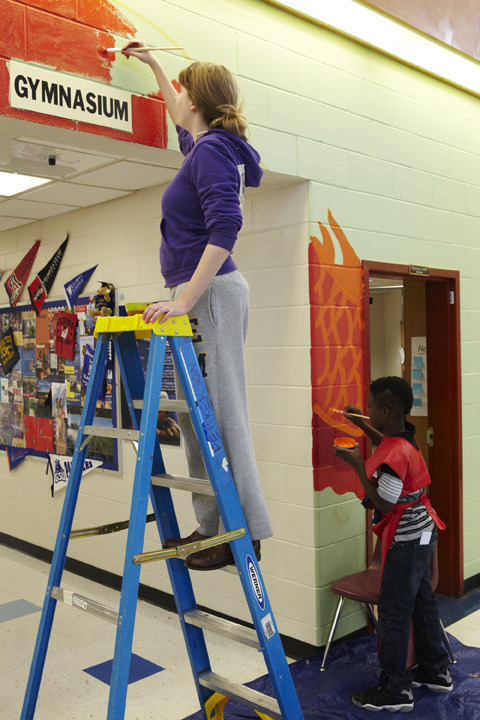 perkerson_elementary_students_work_with_tcp_resident_703.jpg