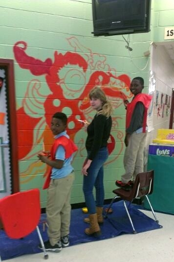 perkerson_elementary_students_work_with_tcp_resident_1497.jpg
