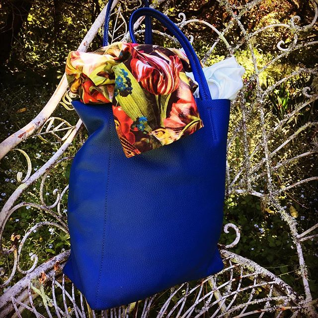 Brighton Tote. Summer colours. #southernhighlands #leatherbag #weekendvibes #accessories #leathertote #travel #travelbag