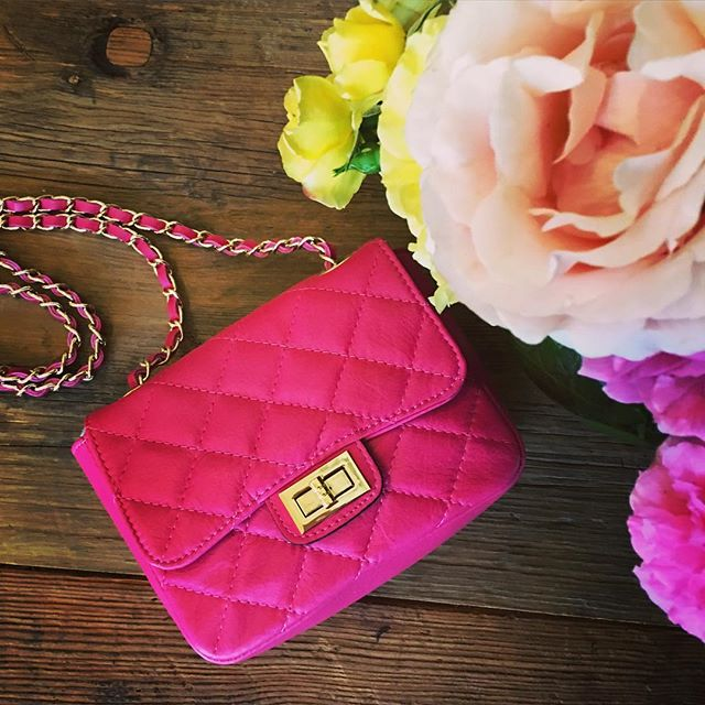 WEST HOLLYWOOD! Quilted leather handbag. Beautiful colours. Made in Italy.  Great gift!  @estilaustralia #leatherbag #fushia #handbag #christmasgift  #teacherstyle #southernhighlsnds #gift #style