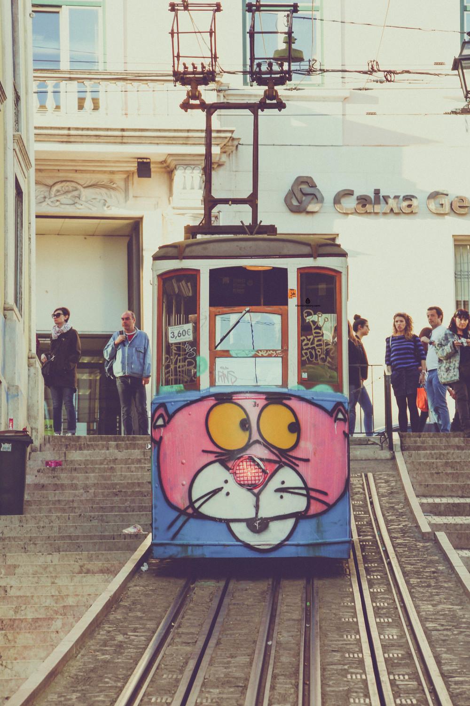 Vintage-Lisbon-tram