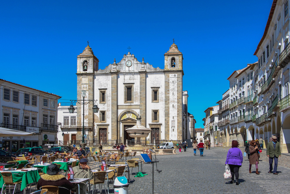 The main square of Evora
