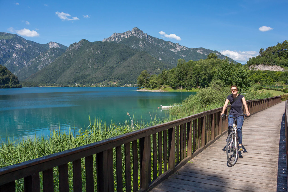 Lago-di-Ledro-cycling