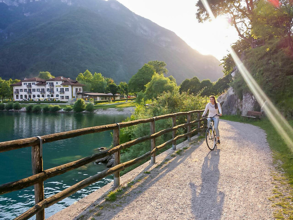 Cycling-lago-di-ledro