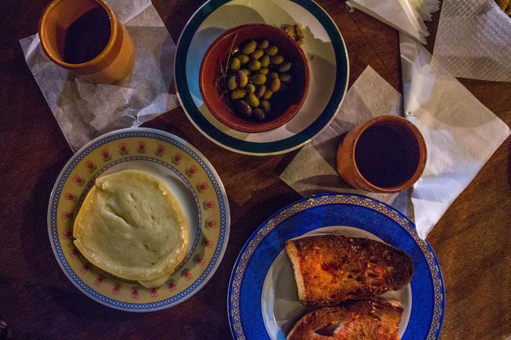 Bruschette with Cacciocavallo cheese in Ranch Ambrenella, Vieste
