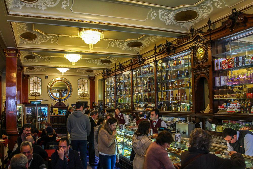 Cafe-Versailles