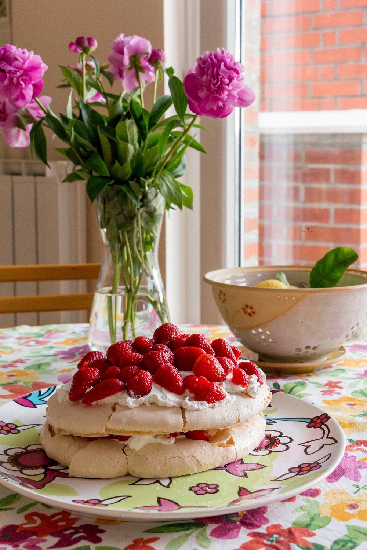 Pavlova-cake