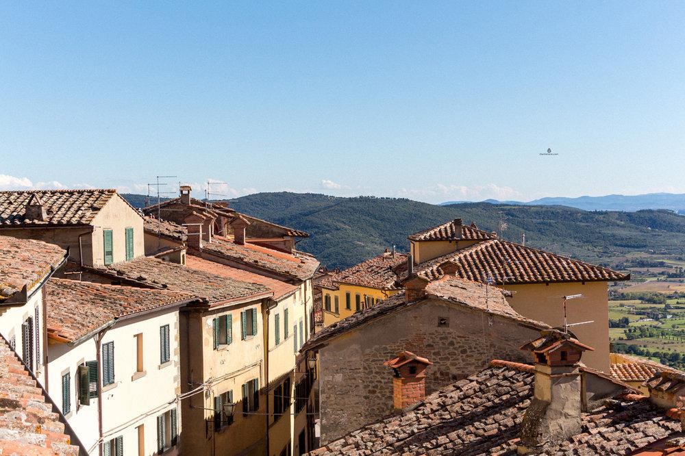 Cortona-roofs
