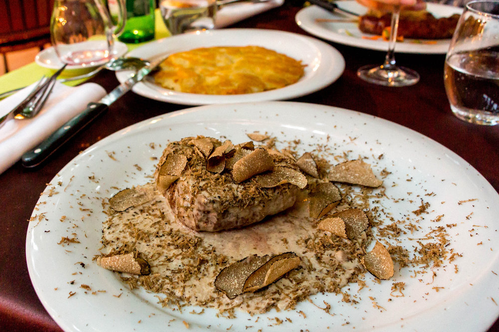 Steak with truffles in Konoba Malo Selo, Istria