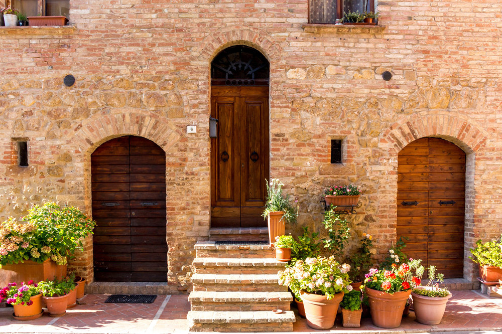 Flower pots in Pienza, Tuscany