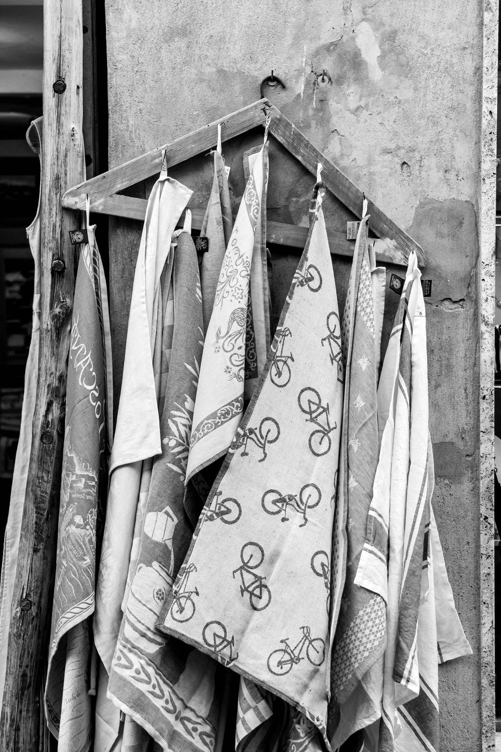 Linen shopping in Pienza, Tuscany