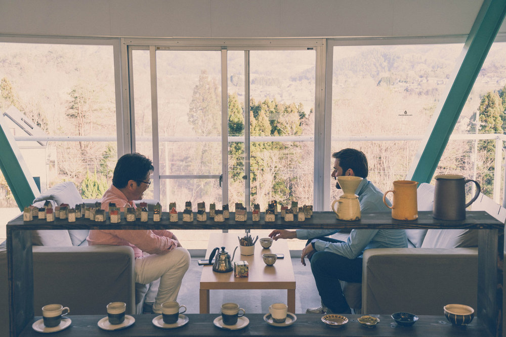 Having tea with Fujito in his store in Shigaraki