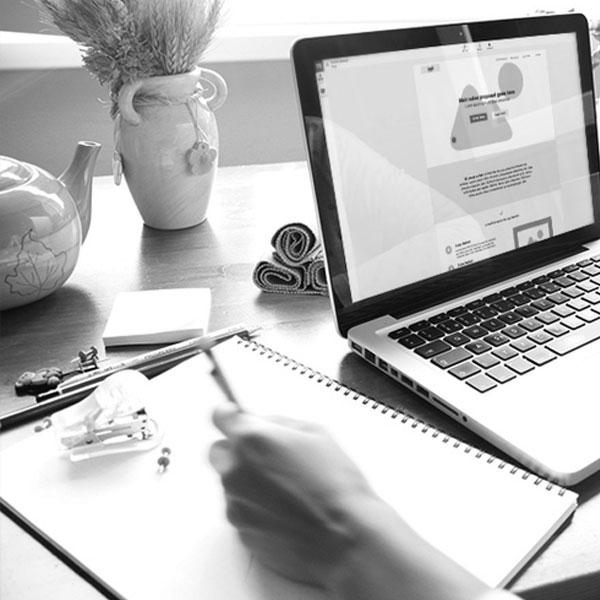 Oma osaamisesi ja mahdollinenresurssivaje täydentyy - Modernin markkinoinnin ja viestinnän tekeminen vaatii erityisosaamista, jota omassa yrityksessä ei välttämättä ole. Kumppani tarvittaessa paikkaa ja kouluttaa omaa tiimiä.