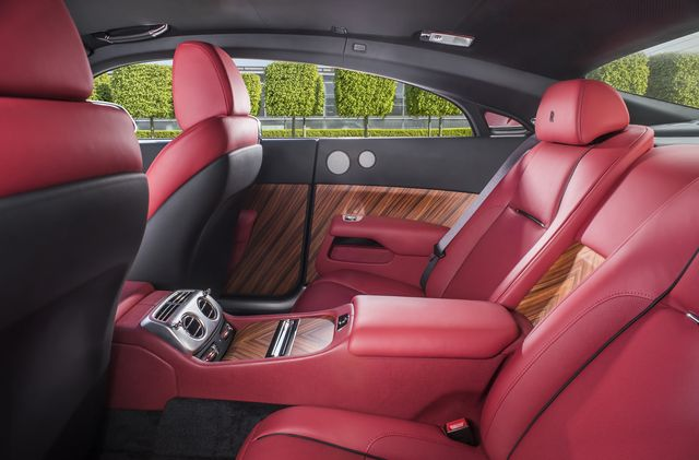 rolls-royce-silver-haze-interior-side-james-lipman_result.JPG