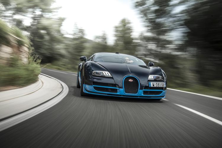 bugatti-veyron-vitesse-front-in-motion.jpg