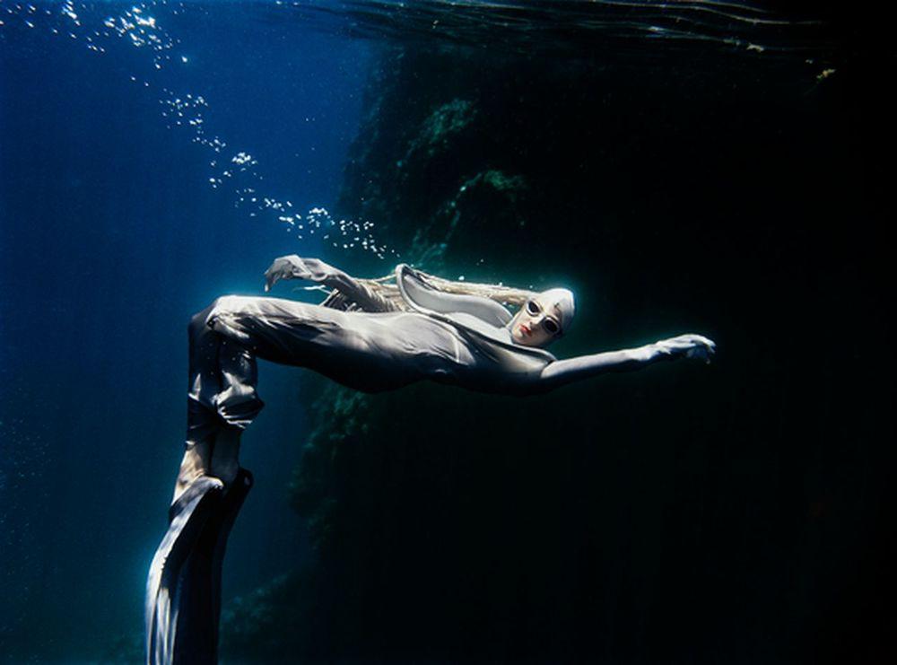 peter-de-mulder-underwater-photography-artists-legends-creative-management_15_result.jpg