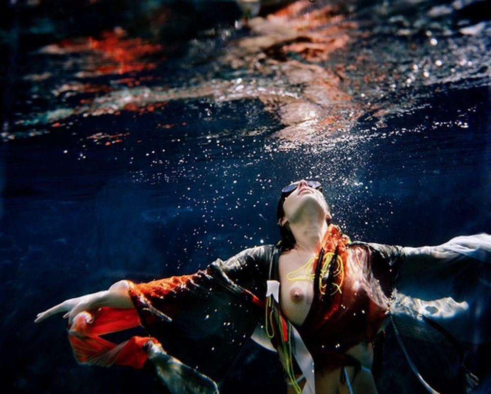 peter-de-mulder-underwater-photography-artists-legends-creative-management_40_result.jpg