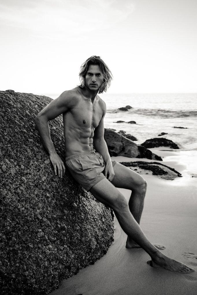 Social-shooter-swimwear-ricardo-lategan-artists-legends_05_result.jpg