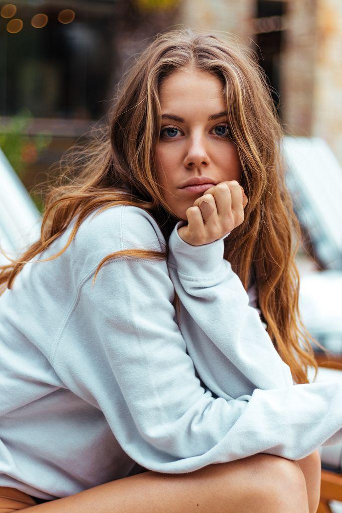 Social-shooter-womenswear-ricardo-lategan-artists-legends_05_result.jpg
