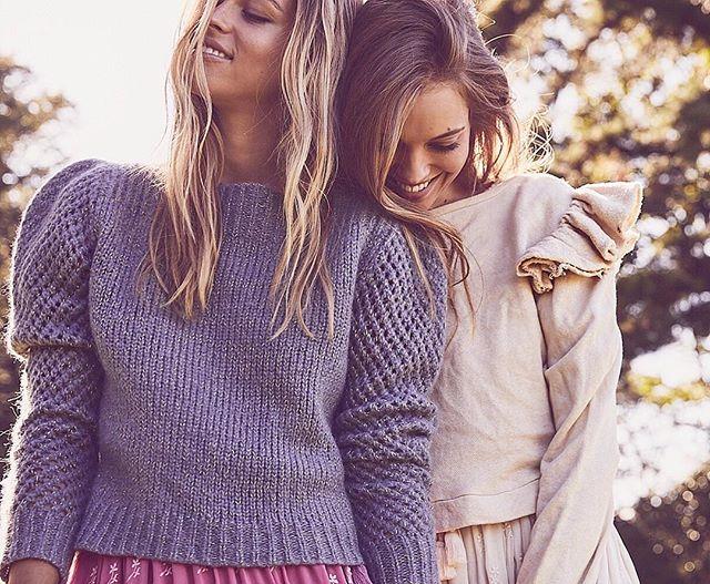 Stay close, stay cozy 🌟🌟 #corinnesweatshirt #rosiepullover #preorder