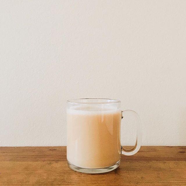 The best way to start every morning ☕️ - #vscocam #vsco #lookslikefilm #abm #acolorstory #blog #blogger #floridablogger #travelblogger #lifestyleblogger #lifestyle #uohome #uoaroundyou #uoonyou #liveauthentic #fashionblog #fashionblogger #photographyblog #travel #advertising #ad #creativedirector #creativedirection #coffee #keurig #keurigcoffee #pourover #woodgrain #minimal #minimalistic