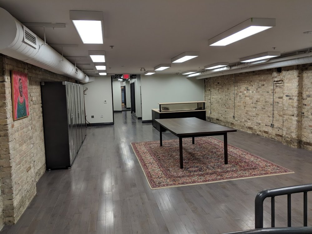 This spacious, clean office or retail space is perfect for a financial institution, studio, medical/dental office or personal service establishment.
