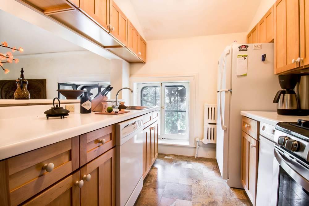 Griggs-3rd Floor kitchen 2.jpg