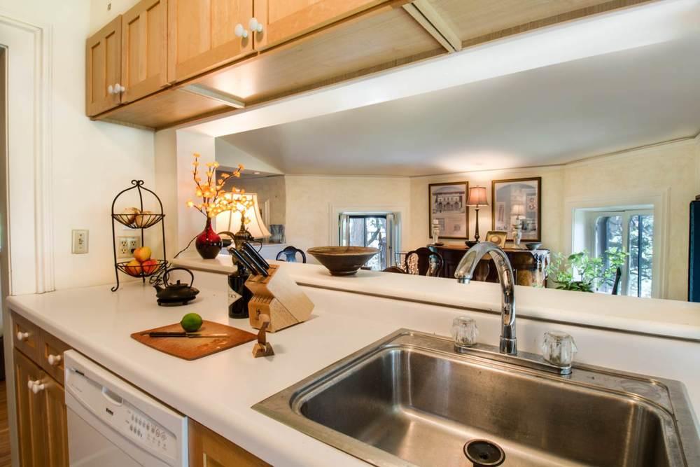 Griggs-3rd Floor kitchen.jpg