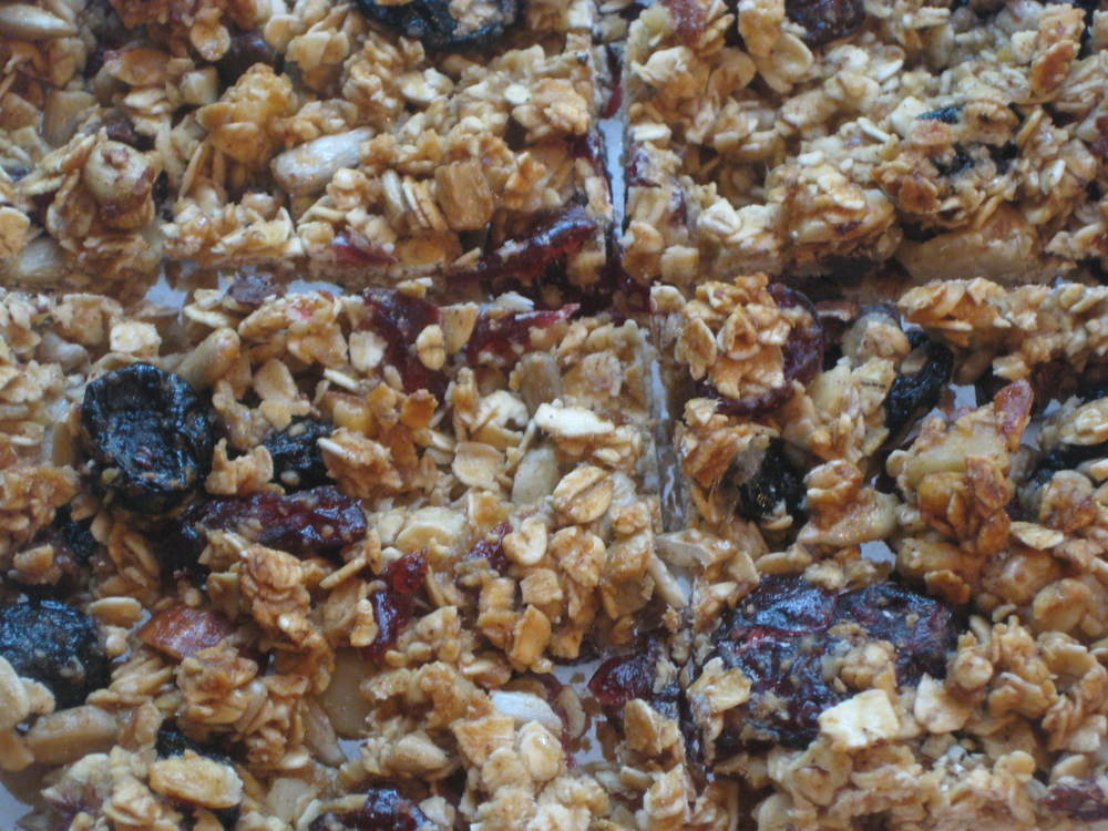 It's time for your close-up, homemade granola bars
